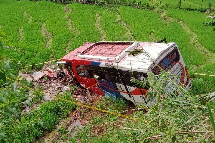 Kecelakaan bus  tewaskan 20 jemaah