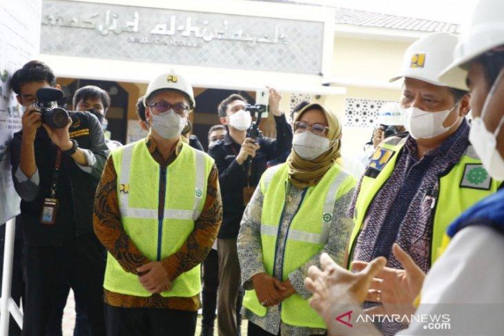 Menko Airlangga bersama Bupati Bogor tinjau proyek dua bendungan di Bogor