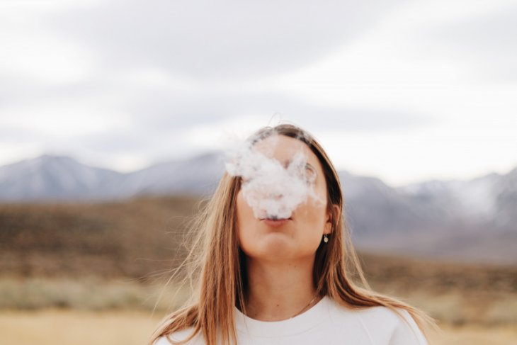 Risiko kanker & komplikasi kehamilan perokok perempuan