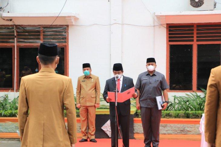 Wali Kota Amir Hamzah lantik pejabat Pemkot Binjai