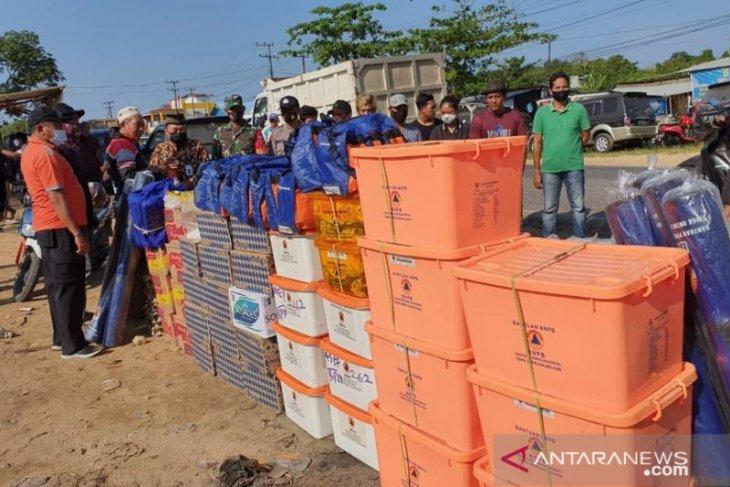 BPBD Kabupaten Penajam serahkan bantuan ke korban kebakaran