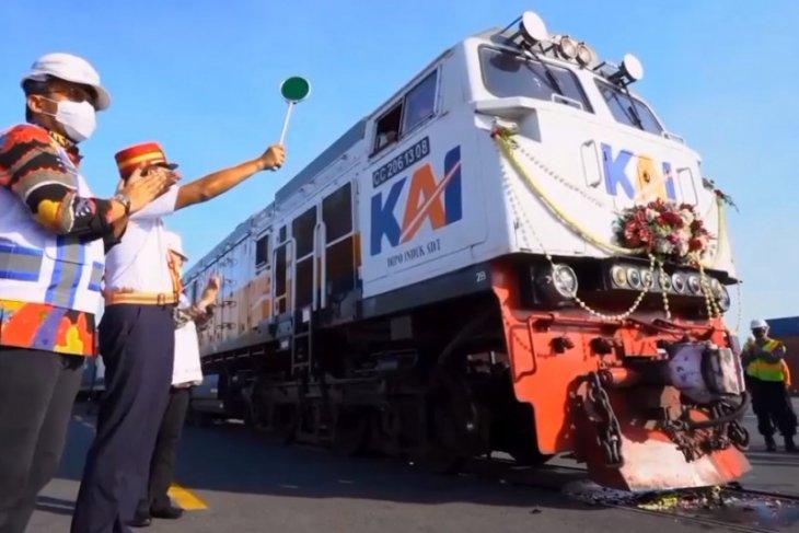Reaktivasi kereta api logistik tujuan Pelabuhan Tanjung Perak