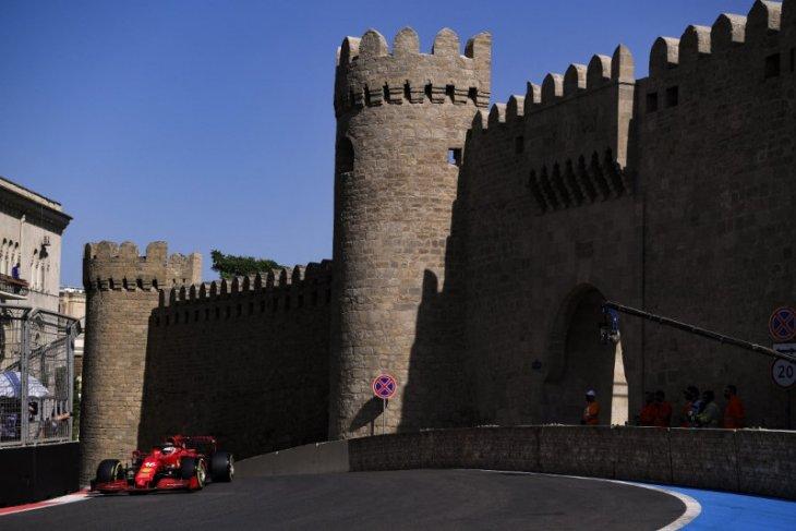 Formula 1: Kecepatan Ferrari di Baku diluar ekspektasi Sainz dan Leclerc