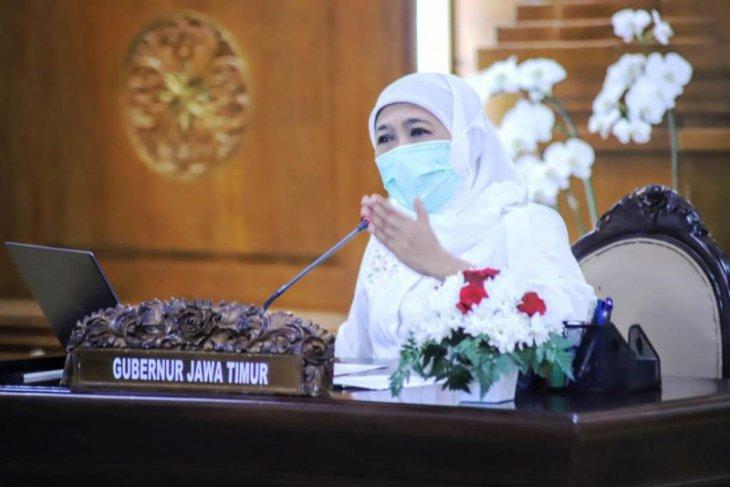 Gubernur Jatim ingatkan percepat vaksinasi guru jelang pembelajaran tatap muka