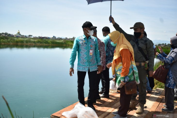 Tanah Laut spreads 10,000 superior seeds of papuyu, haruan