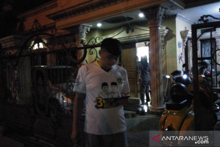Warga Cianjur Jawa Barat berhamburan keluar rumah diguncang gempa bumi