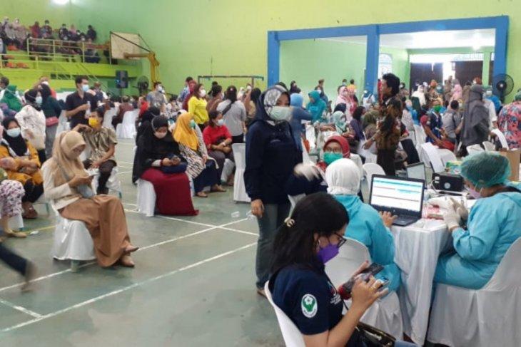 Seribu tenaga pendidik di Binjai divaksin