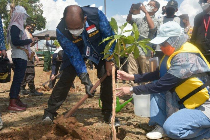 Pj Gubernur Kalsel sampaikan pembangunan sungai harus terintegrasi