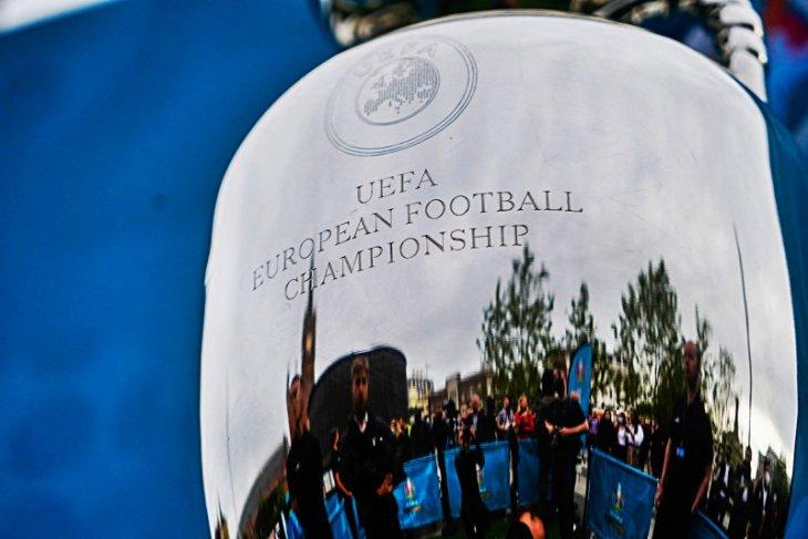 Sebulan penuh piala Eropa di tengah pandemi dan pertaruhan UEFA