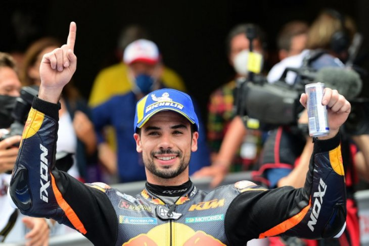 Kejutan KTM, Oliveira juara GP Catalunya