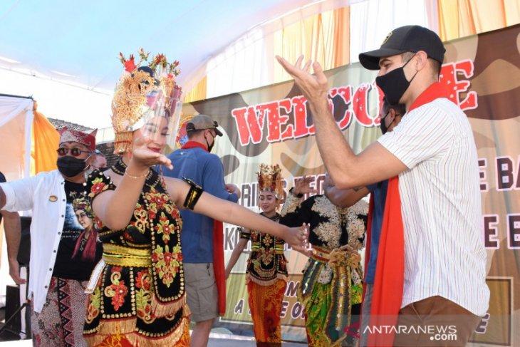 Marinir Indonesia kenalkan budaya tradisional Banyuwangi kepada Marinir AS