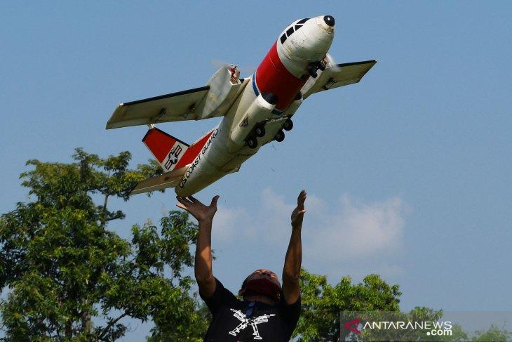 Latihan Bersama Komunitas Aeromodelling di Madiun
