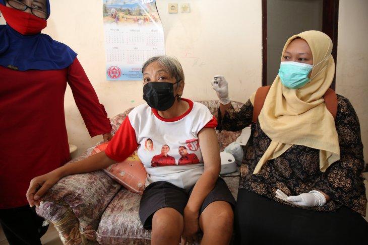 Kisah menarik vaksinasi  ODGJ dan disabilitas di Surabaya