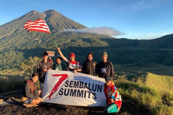 Perwira TNI sukses  daki tujuh puncak Sembalun selama lima hari