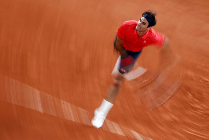 Federer merasa lebih kuat usai operasi lutut