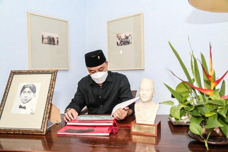 Wali Kota Surabaya: Teladani Bung Karno