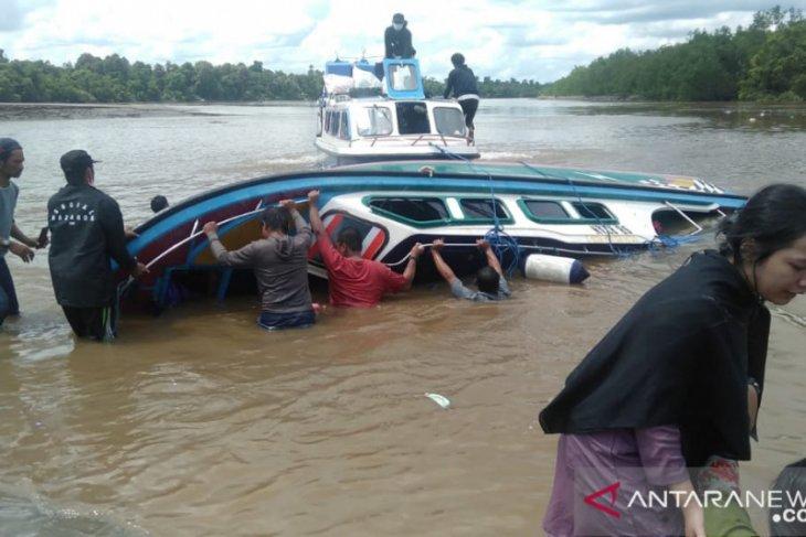 Kapal cepat kecelakaan sebabkan  lima penumpang meninggal
