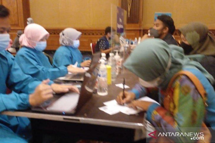 Polresta-Dinkes Kota Bogor gelar vaksinasi massal  kepada 1.406 orang warga