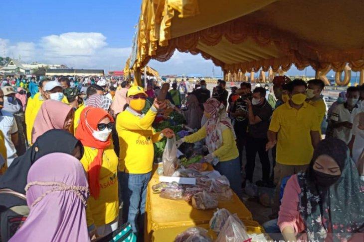 Kotabaru gelar Pasar Tani di Siring Laut
