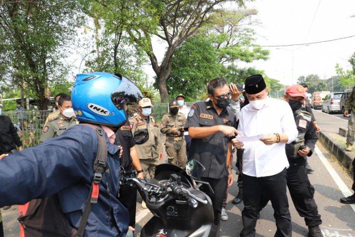 Petugas lakukan penyekatan di sisi Surabaya dan Bangkalan Jembatan Suramadu