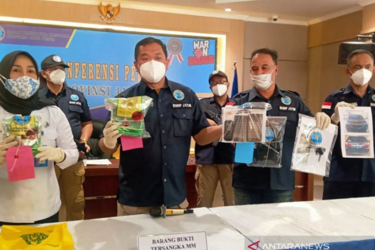 BNN - East Java confiscate 1.6-kg crystal meth from Jakarta's drug ring