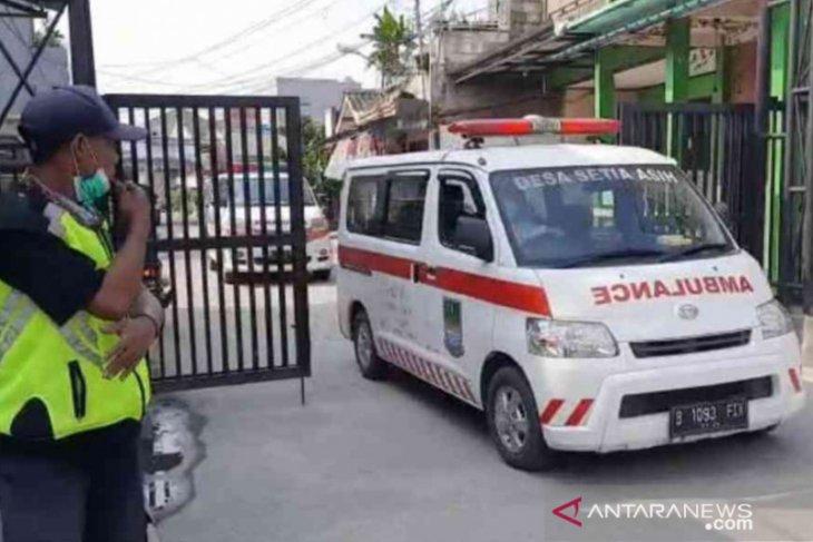 Warga terpapar COVID-19 klaster resepsi nikah di Bekasi bertambah sembilan orang  (video)