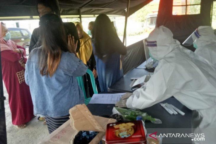 Tes usap antigen di Pamekasan, tiga warga Bangkalan positif COVID-19