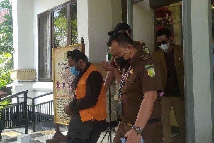 Guru spiritual dipenjara 4 tahun 6 bulan karena terbukti cabul