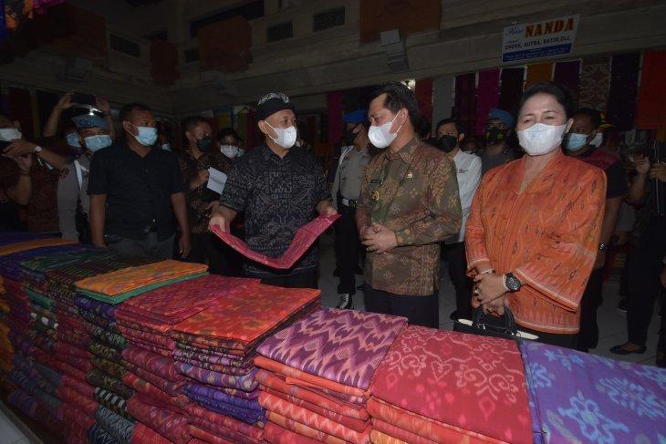 Menkop/UKM siap bantu digitalisasi UMKM kain endek di Klungkung-Bali