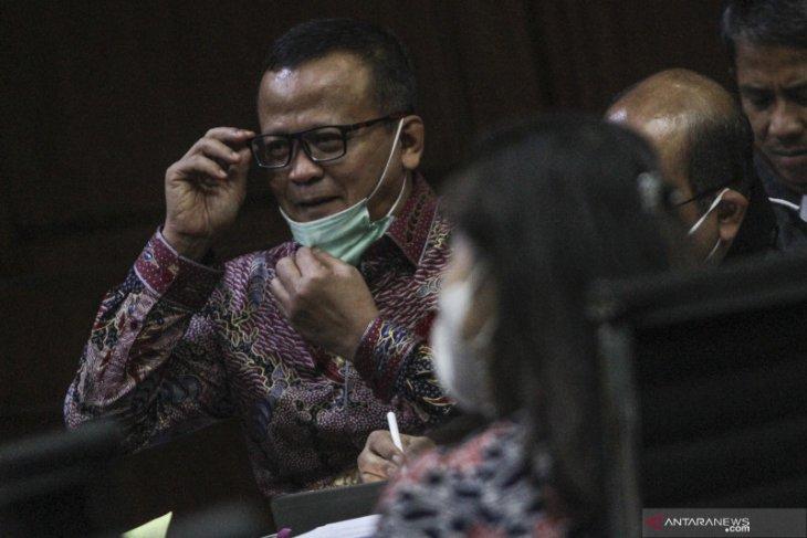 Jaksa KPK ungkap Edhy Prabowo sawer pedangdut Betty Elista Rp66 juta