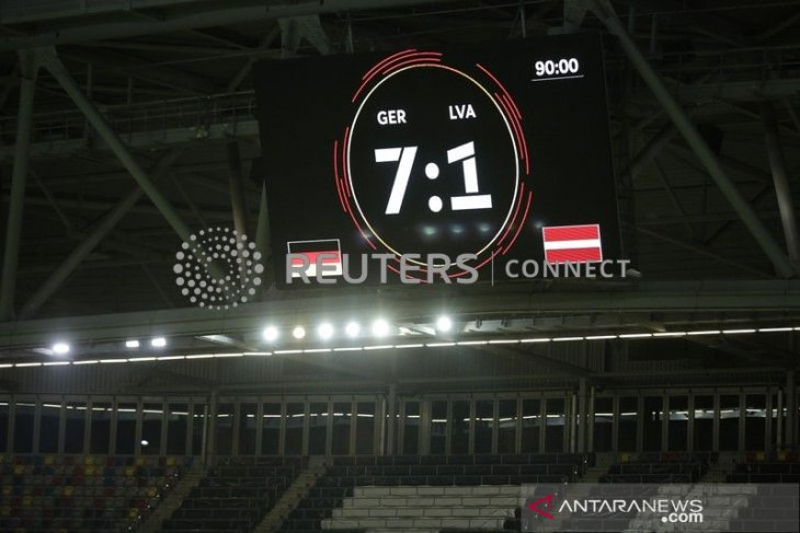 Jerman bantai Latvia 7-1