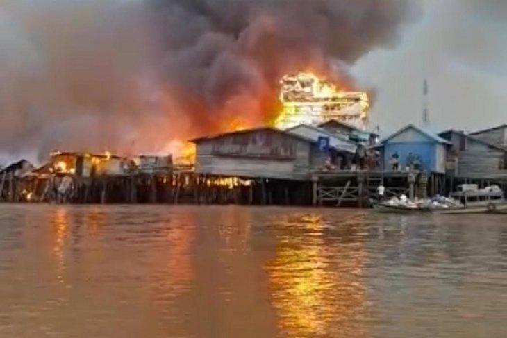Kebakaran hebat di Mendahara Tengah hanguskan 111 rumah warga