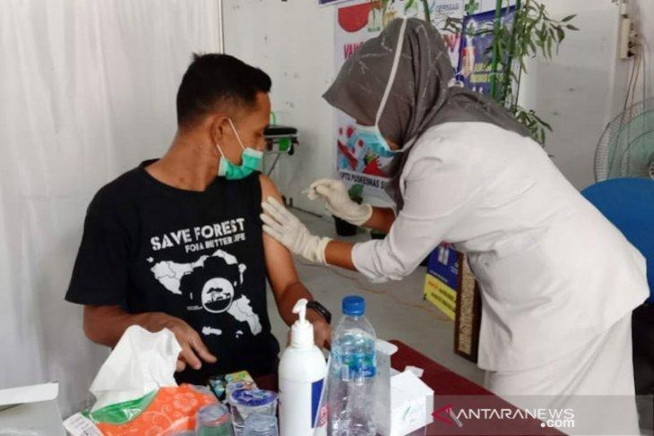 Pemkab Aceh Timur hentikan bantuan sosial untuk warga tidak ikut vaksinasi