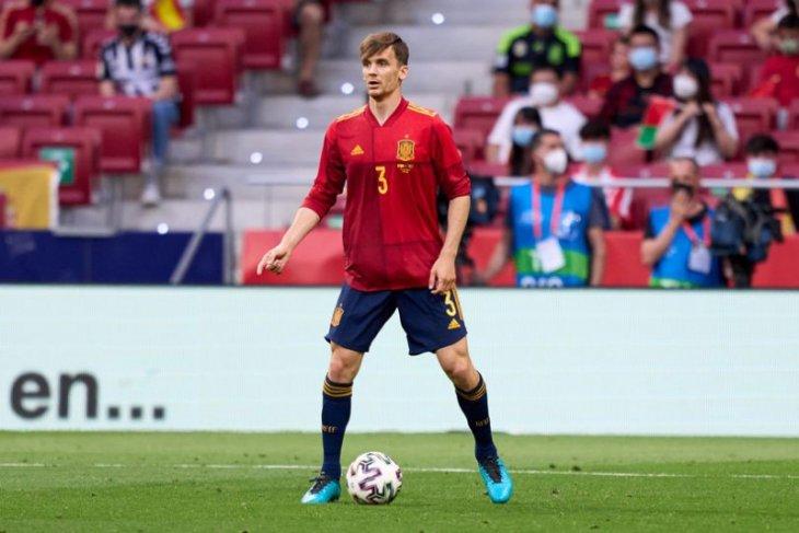 Diego Llorente pemain Spanyol kedua yang positif COVID-19