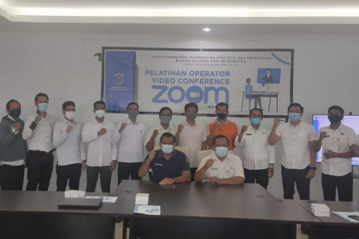 Kominfo Paser gelar pelatihan operator vicon zoom untuk OPD.