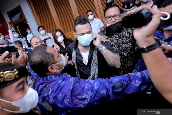 Jerinx tak datang ke Polda Metro Jaya alasan kesehatan