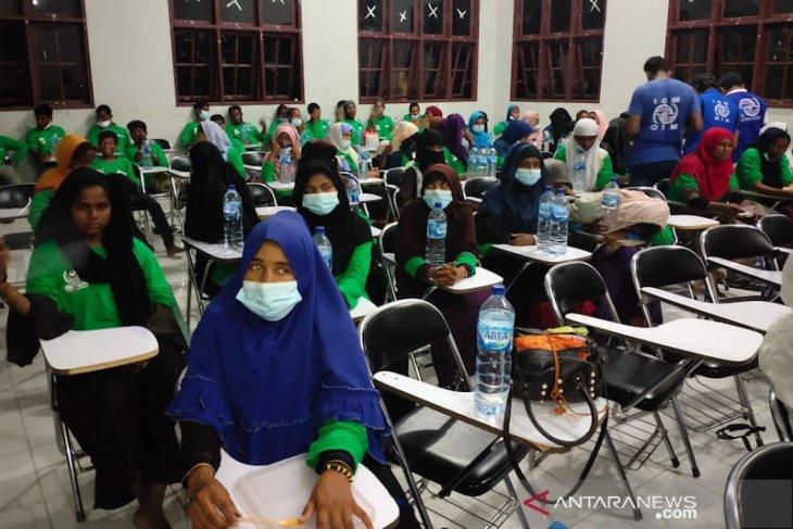 81 imigran Rohingya di Aceh Timur direlokasi ke Medan