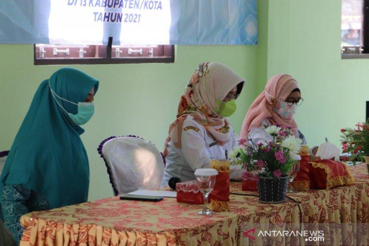 Pelatihan usaha industri rumahan untuk berdayakan ekonomi perempuan HSS