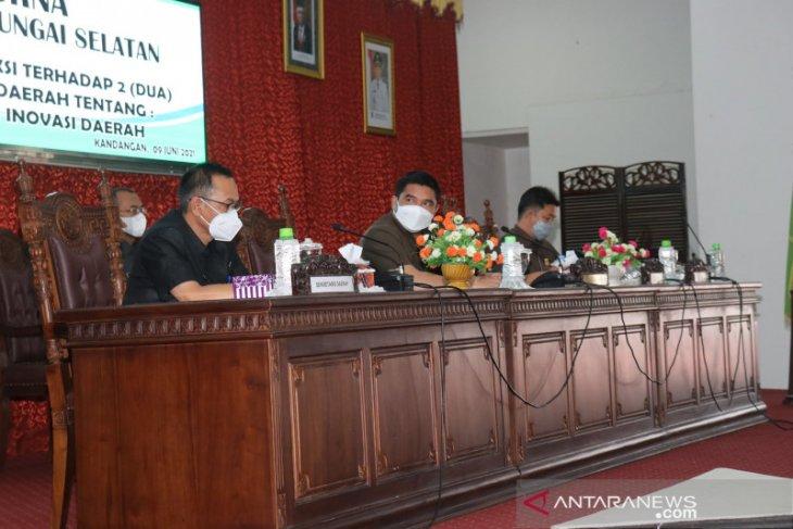 Rapat paripurna DPRD HSS sampaikan pemandangan umum fraksi atas dua Raperda