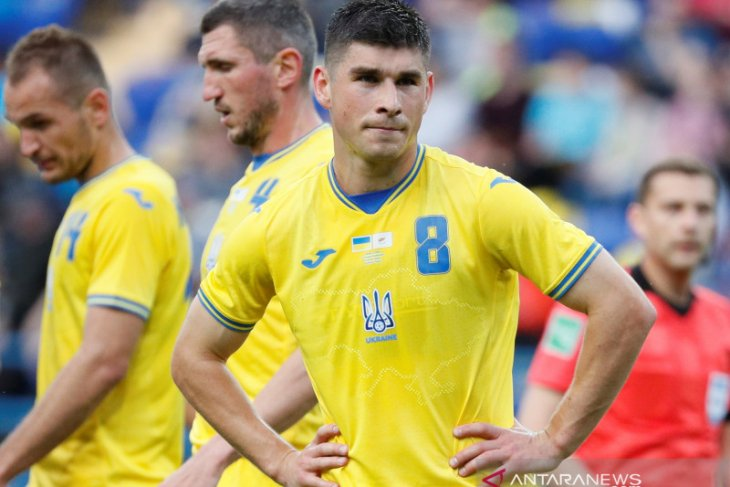 UEFA desak timnas Ukraina cabut slogan politik di jersey baru bikin Rusia marah