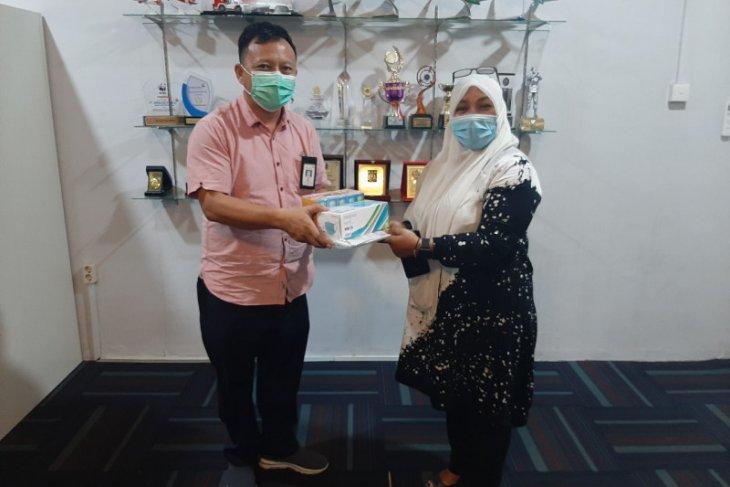 Cegah penyebaran COVID-19, AP II Bandara Sultan Iskandar Muda salurkan bantuan Lansia