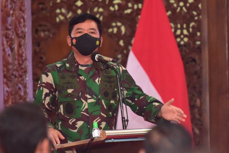 Panglima TNI minta utamakan sinergi tiga pilar tekan klaster di Lamongan