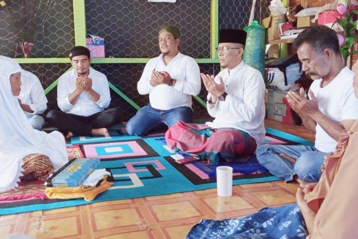 Ibu Rosmiati Bru Tarigan (87) warga Desa Telagah Langkat memeluk Agama Islam