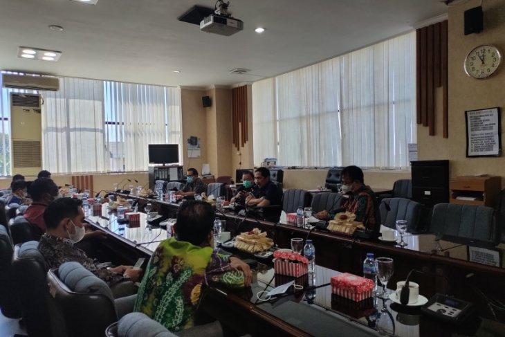 DPRD Kalsel sarankan masalah KONI Kotabaru dibicarakan baik-baik