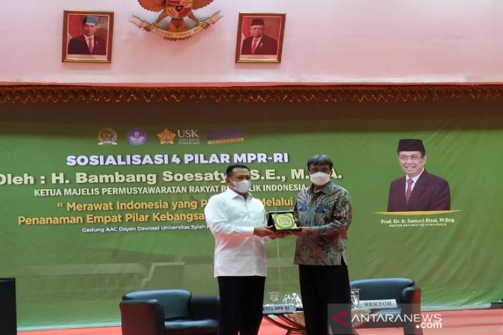 Ketua MPR apresiasi USK atas pembinaan mahasiswa Papua