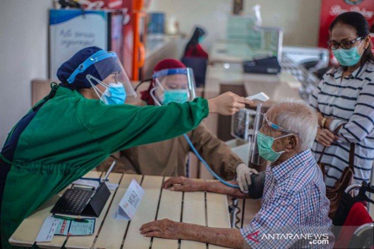 Pemkot Bogor lanjutkan vaksinasi COVID-19 lansia dengan cara jemput bola