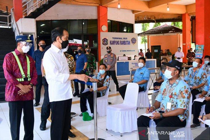 Presiden Jokowi tinjau vaksinasi di Pelabuhan Tanjung Priok