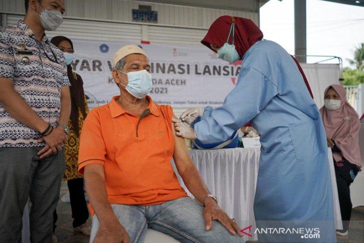 Banda Aceh sediakan ambulan permudah lansia ikut vaksinasi