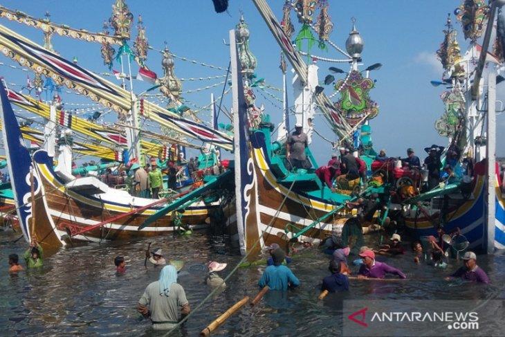 Nelayan Jembrana keluhkan harga solar