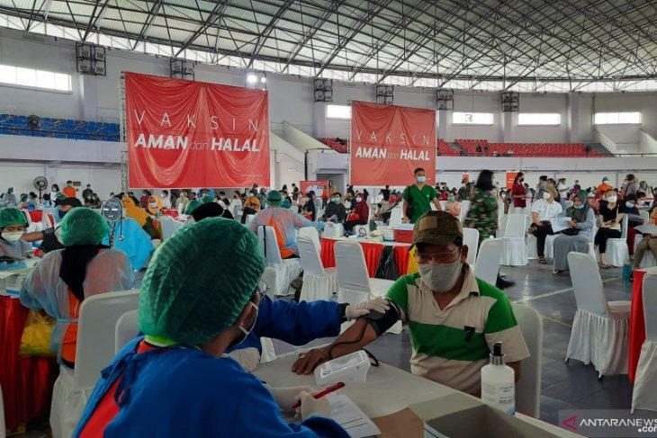 Pemkab Tangerang targetkan vaksinasi dosis ketiga pada tenaga kesehatan tuntas Agustus